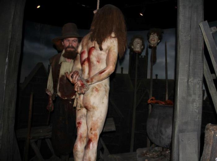 Экспонаты из комнаты ужасов музея мадам Тюссо | Фото: fiestino.ru