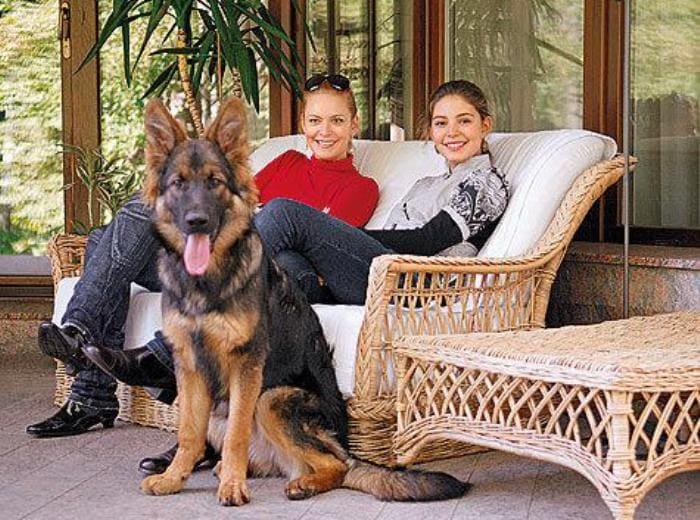 Мария Козакова с матерью, актрисой Аленой Яковлевой | Фото: womanhit.ru