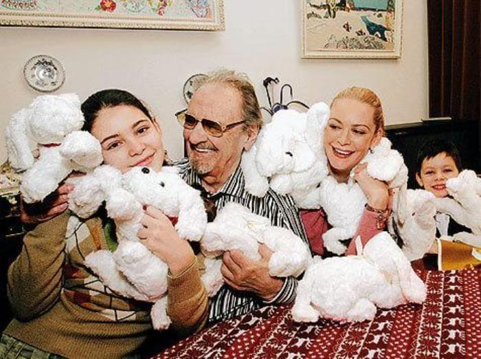 Мария Козакова с матерью и дедом | Фото: womanhit.ru