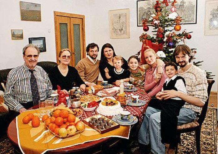Юрий Яковлев с детьми от разных браков и внуками | Фото: womanhit.ru