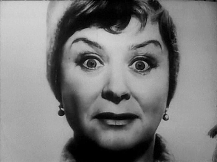Мария Миронова в фильме *Короткие истории*, 1963 | Фото: kino-teatr.ru
