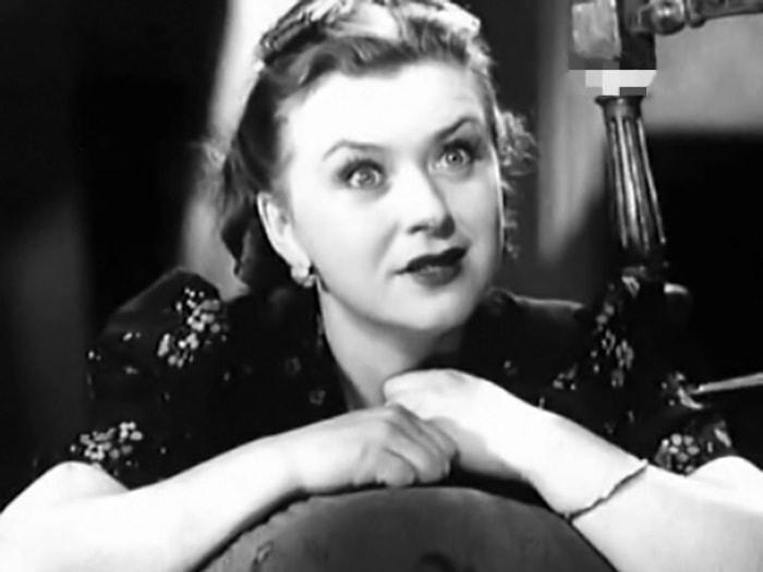 Мария Миронова в фильме *Преступление и наказание*, 1940 | Фото: kino-teatr.ru