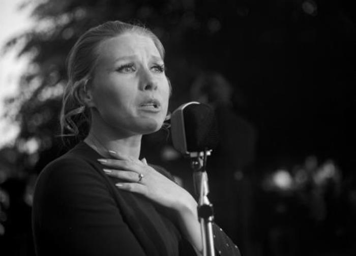Исполнительница песни *Стоят девчонки, стоят в сторонке…* Мария Пахоменко | Фото: i.trust.ua