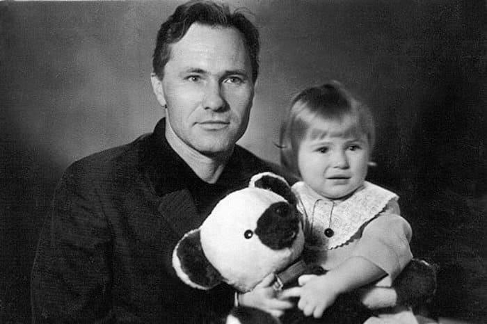 Мария Шукшина с отцом, 1967 | Фото: kino-teatr.ru