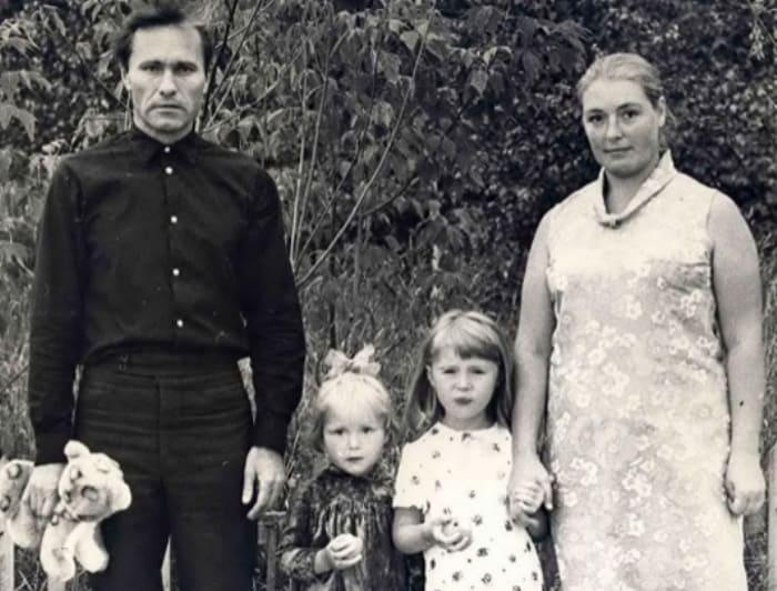 Мария Шукшина с родителями и сестрой, 1970 | Фото: bulvar.com.ua