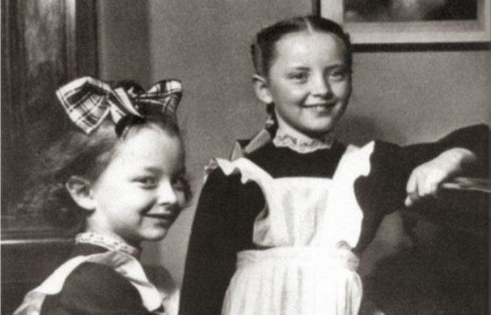 Сестры в детстве | Фото: uznayvse.ru