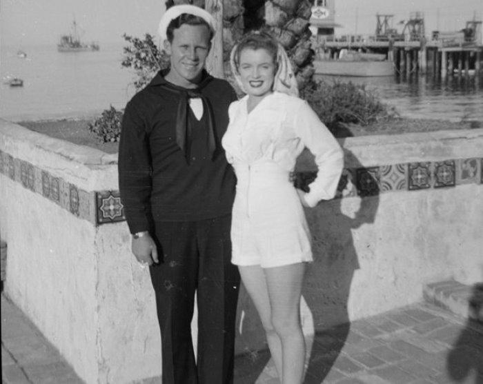 Мэрилин Монро с первым мужем, Джимом Догерти   Фото:liveinternet.ru