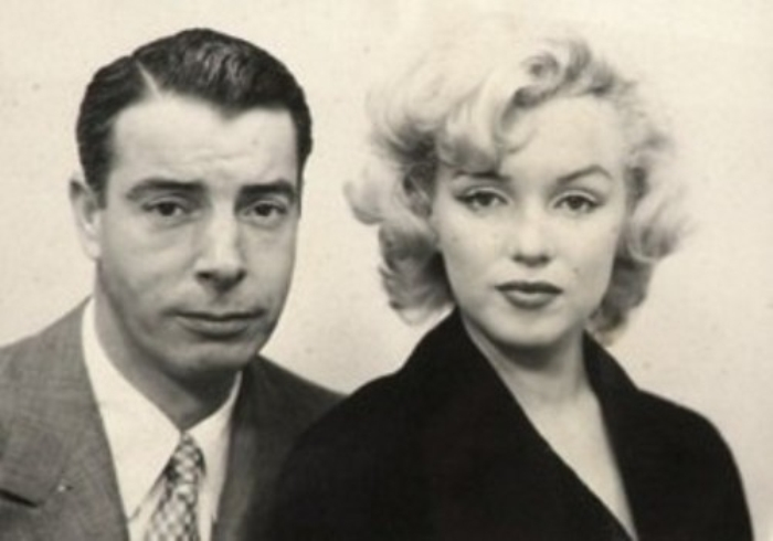 Мэрилин Монро и ее второй муж Джо Ди Маджо   Фото: vev.ru