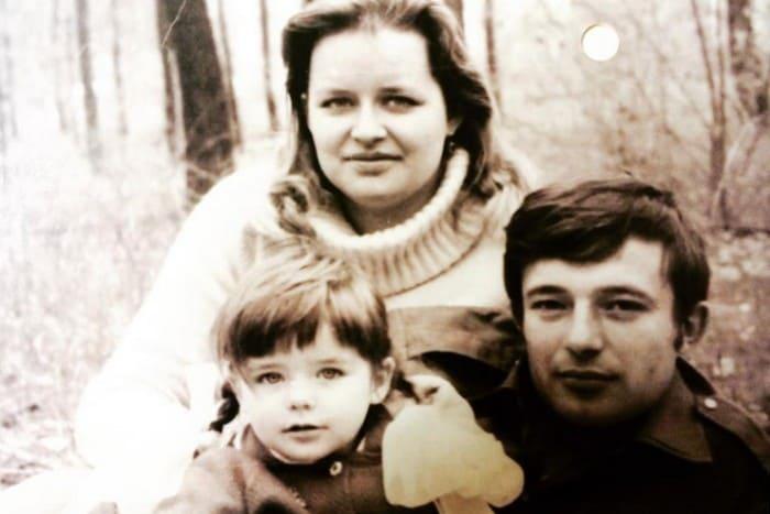 Марина Александрова с родителями   Фото: starhit.ru