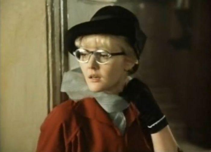 Марина Дюжева в фильме *Покровские ворота*, 1982   Фото: kino-teatr.ru