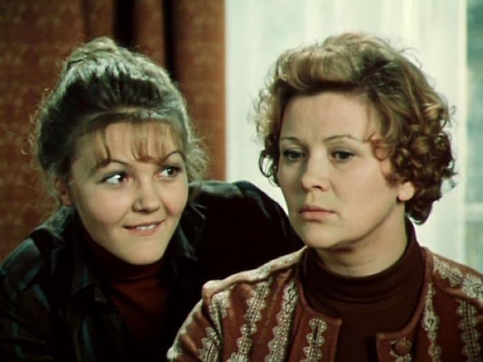 Кадр из фильма *По семейным обстоятельствам*, 1977 | Фото: cubum.ru