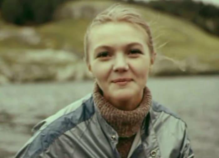 Марина Дюжева в фильме *На исходе лета*, 1979   Фото: kino-teatr.ru