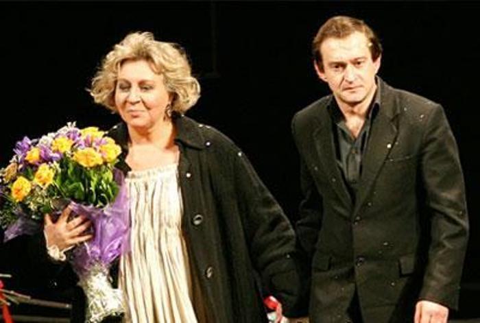 Марина Голуб и Константин Хабенский на сцене театра | Фото: rus-shake.ru