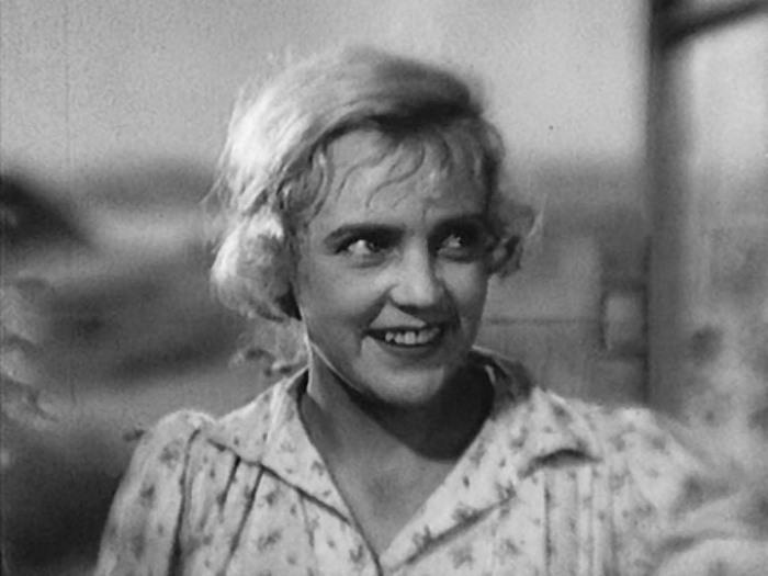 Марина Ладынина в фильме *Вражьи тропы*, 1935 | Фото: kino-teatr.ru