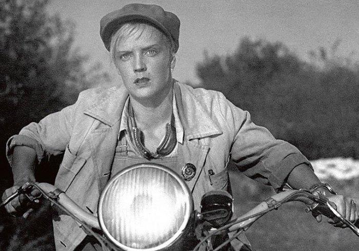 Кадр из фильма *Трактористы*, 1939 | Фото: supermyzika.ru