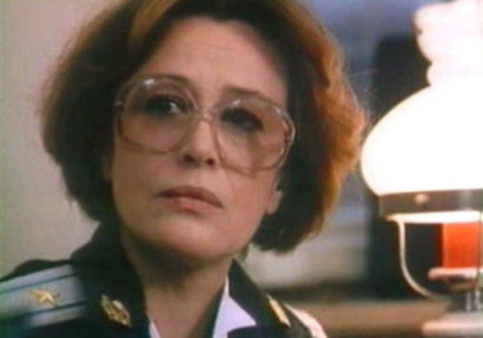 Марина Неелова в фильме *Тюремный романс*, 1993 | Фото: kino-teatr.ru