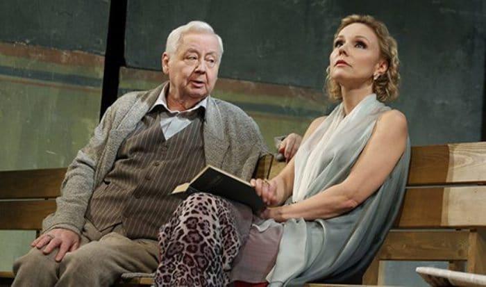 Марина Зудина и Олег Табаков на театральной сцене | Фото: uznayvse.ru
