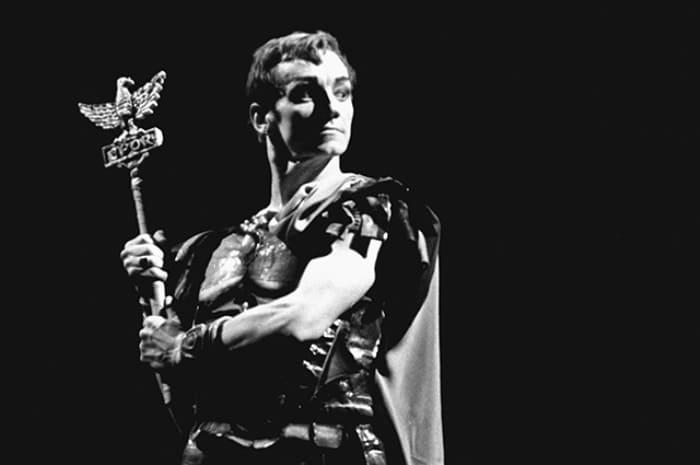 Танцовщик в роли римского патриция Марка Красса | Фото: aif.ru