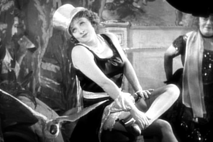 Марлен Дитрих в фильме *Голубой ангел*, 1930 | Фото: kino-teatr.ru