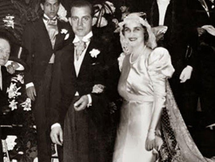 Граф де ля Ромэ со своей счастливой супругой, принцессой де Туссон | Фото: grif.ua