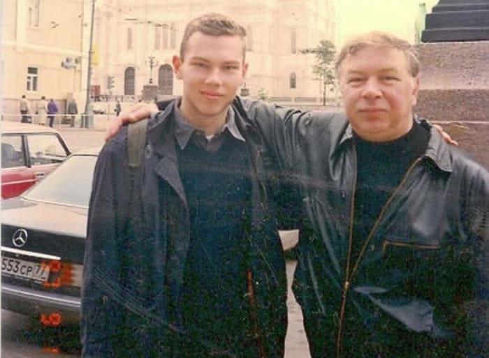 Андрей Мартынов и его сын Александр | Фото: stuki-druki.com