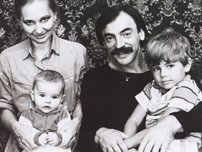Михаил Боярский и Лариса Луппиан с детьми | Фото: kino-teatr.ru