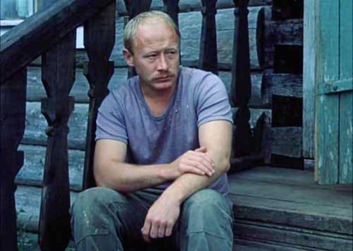 Виктор Проскурин в фильме *Выйти замуж за капитана*, 1985 | Фото: kino-teatr.ru