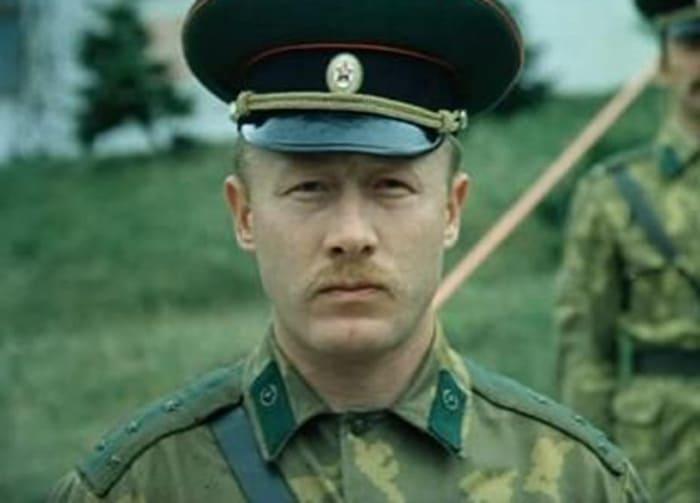 Виктор Проскурин в фильме *Выйти замуж за капитана*, 1985   Фото: kino-teatr.ru