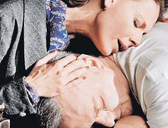 Любовь Толкалина в роли Лидии Захаровой и Александр Балуев в роли маршала в сериале *Жуков*, 2011 | Фото: kp.ru