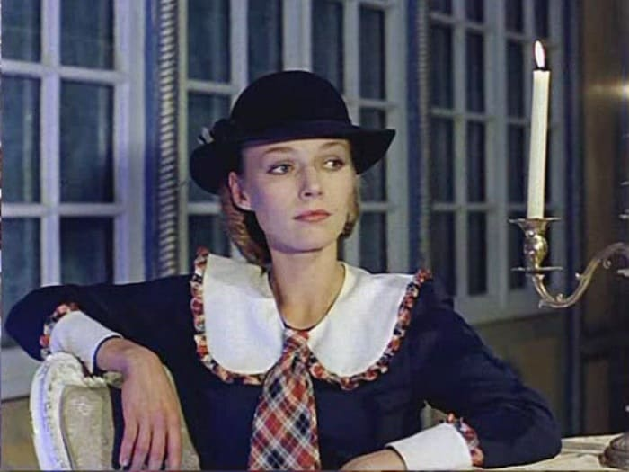 Наталья Андрейченко в роли Мэри Поппинс | Фото: kino-teatr.ru