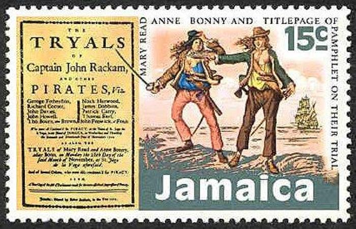 Почтовая марка, на которой изображены женщины-пираты Энн Бонни и Мэри Рид | Фото: corsairs-harbour.ru