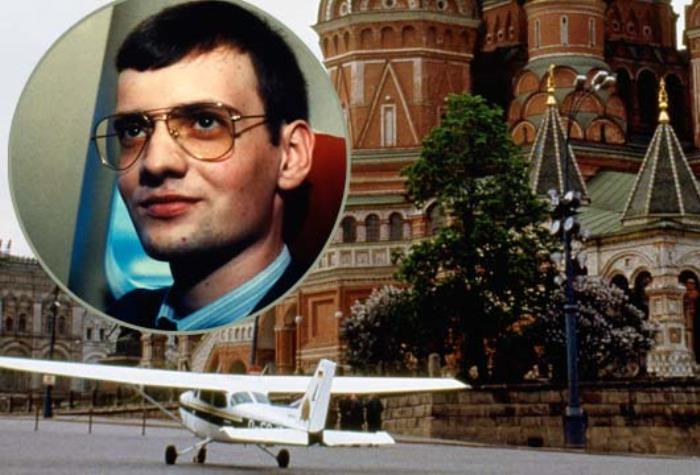 Самолет Матиаса Руста на Красной площади | Фото: mediaspy.ru