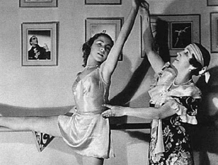 Матильда Кшесинская в своей балетной школе | Фото: chtoby-pomnili.com