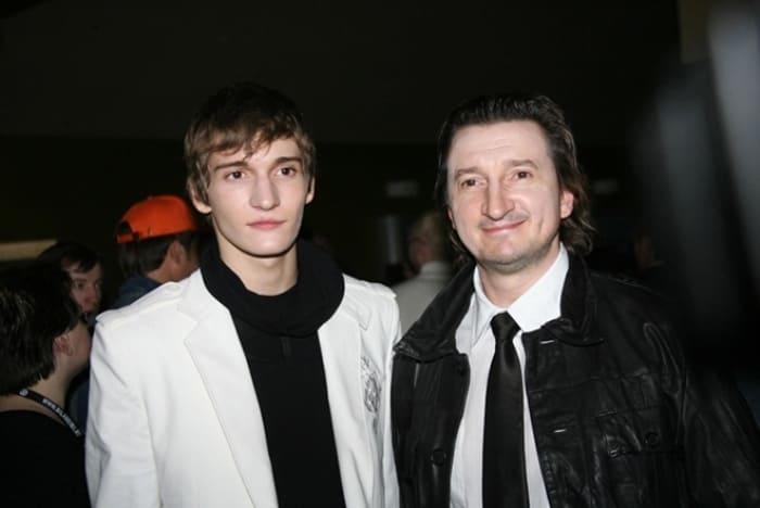 Матвей Лыков с отцом, актером Александром Лыковым | Фото: 24smi.org