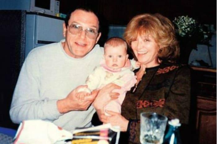 Максим с родителями, Эммануилом Виторганом и Аллой Балтер | Фото: 24smi.org