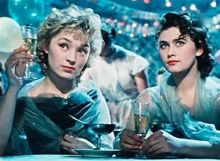Кадр из фильма *Матрос с *Кометы*, 1958 | Фото: kino-teatr.ru