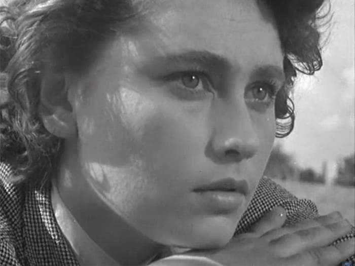 Майя Менглет в фильме *Дело было в Пенькове*, 1957 | Фото: kino-teatr.ru