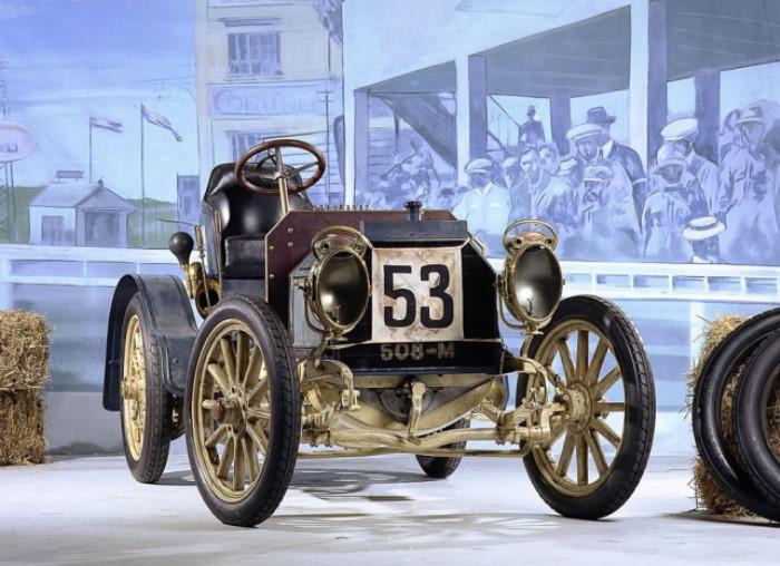 Самый старый из сохранившихся автомобилей Mercedes Simplex 1902 года | Фото: auto.mail.ru