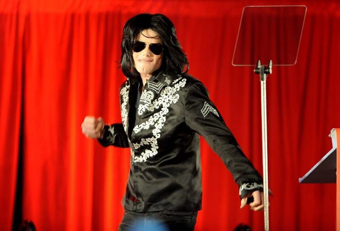 http://www.kulturologia.ru/files/u19001/Michael-Jackson-14.jpg