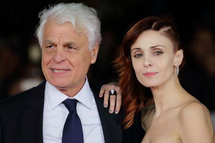 Актер со своей третьей женой, Федерикой | Фото: ladysterritory.ru