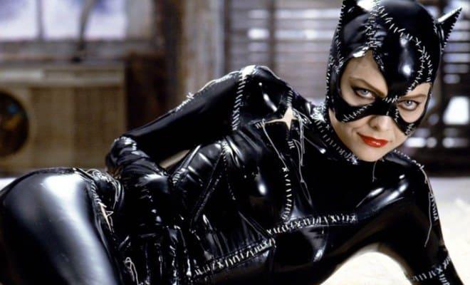 Мишель Пфайффер в роли женщины-кошки   Фото: 24smi.org
