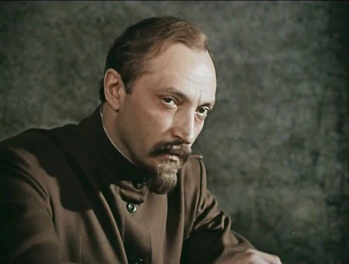 Михаил Козаков в роли Дзержинского | Фото: kino-teatr.ru