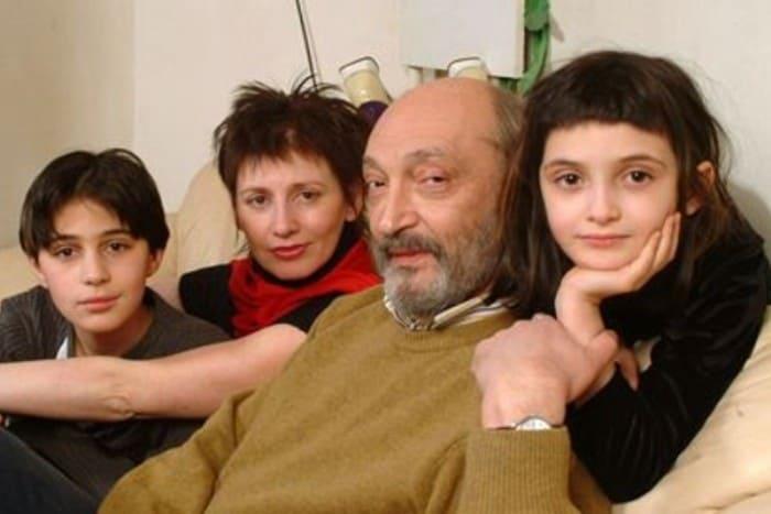 Актер с Анной Ямпольской и детьми | Фото: starhit.ru