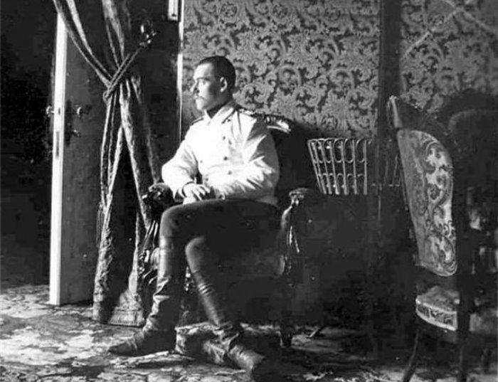Великий князь Михаил Александрович в одной из комнат Гатчинского дворца  | Фото: radikal.ru
