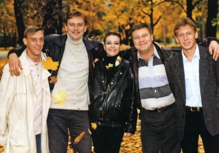 Главные герои сериала *Улицы разбитых фонарей*   Фото: kino-teatr.ru