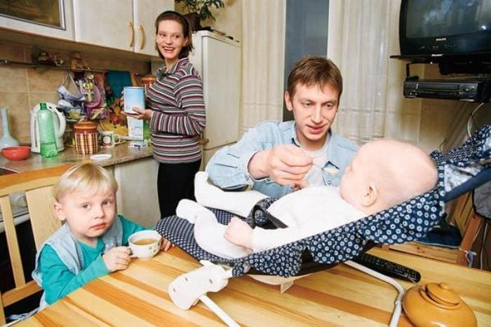 Актер с первой женой, Любовью Ельцовой, и детьми | Фото: 2aktera.ru