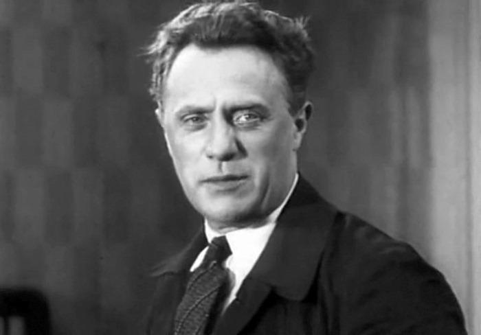 Михаил Жаров в фильме *Три товарища*, 1935 | Фото: kino-teatr.ru