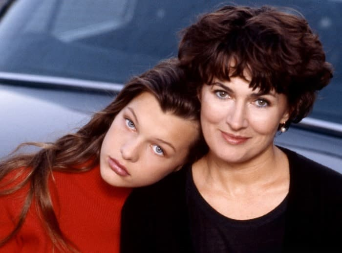 Актриса с матерью, Галиной Логиновой   Фото: pravda-tv.ru