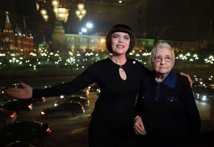 Мирей Матье с матерью   Фото: book-face.ru