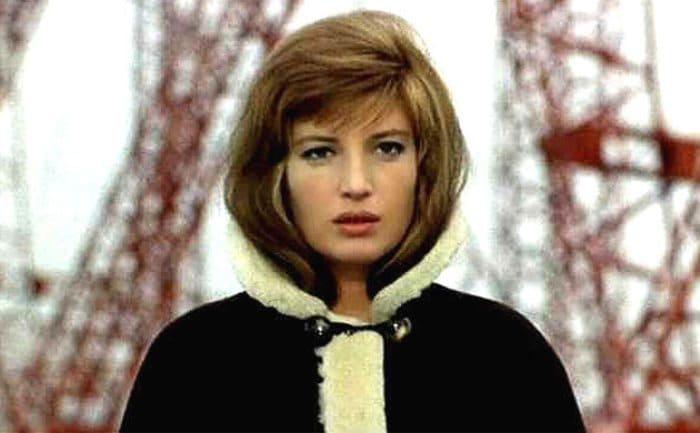 Моника Витти в фильме *Красная пустыня*, 1964 | Фото: kino-teatr.ru